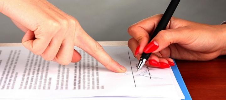 Como assinar carteira de doméstica